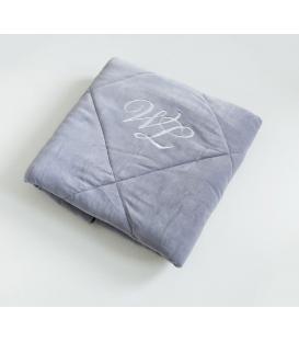 Wonder lashes welurowa kołderka na łóżko kosmetyczne z logo